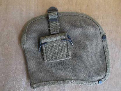 housse de hachette datée 1944