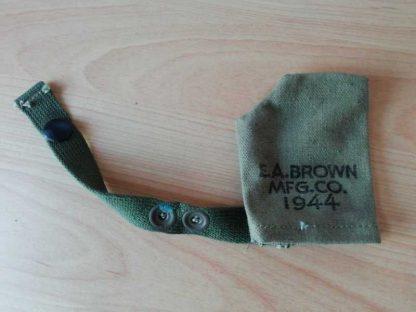 Couvre bouche pour Garand M1 ou USM1 daté 1944