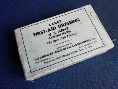"""Paquet de pansement """"large"""" daté 1940"""