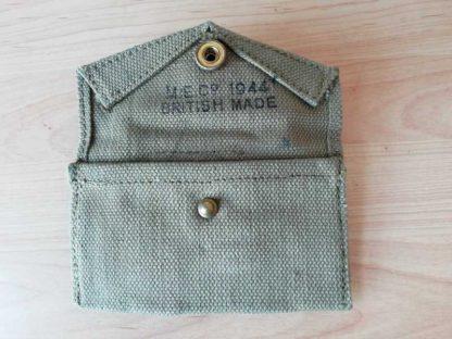Pochette à pansement BRITISH MADE datée 1944