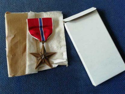 Médaille BRONZE STAR de 1944 en boite d'origine