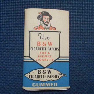 Paquet de feuilles à cigarette B & W bleu