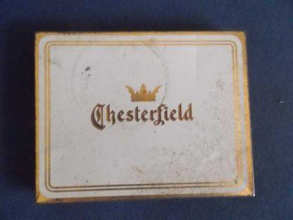 Boite en tole vide de cigarettes CHESTERFIELD