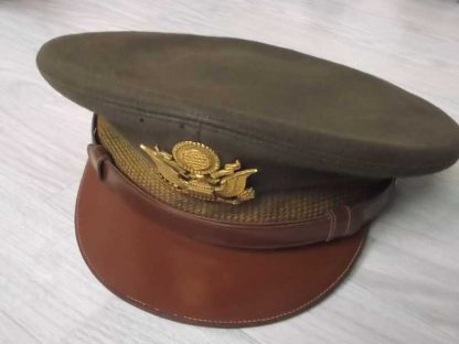 Casquette en laine officier datée 1945