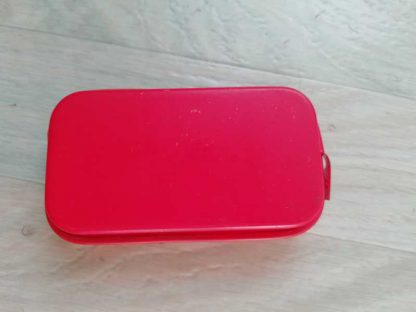 Pansement individuel US en boite métallique rouge