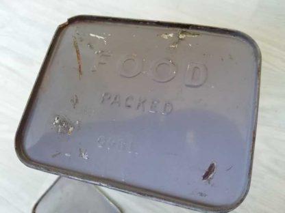Grande boite vide de ration des COAST GUARD datée 1945
