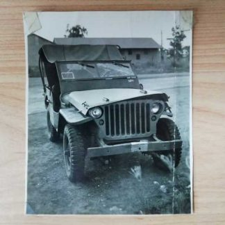 Photo originale d'une JEEP FORD accidentée de l' AIR FORCE