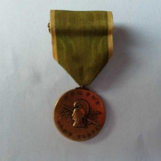 Médaille WAC de fabrication après guerre