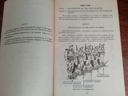 Guide du chef de section daté 1944